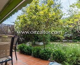 Preciosa casa en venta en la tranquila urbanización de Vallpineda, Sitges