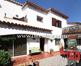 Encantadora casa con jardín privado en Can Pei, Sitges