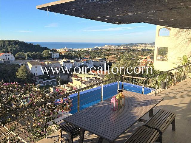 Espectacular casa con piscina y vistas al mar, Sitges