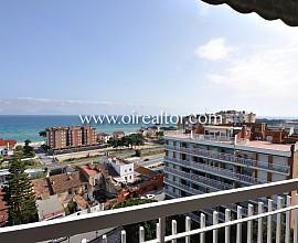Apartamento con vistas a mar totalmente reformado, en Sant Vicenç de Montalt.