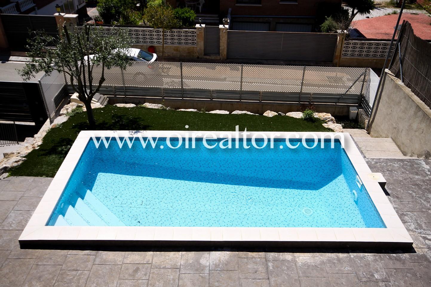 Preciosa casa con piscina particular en mas alba sant for Piscina sant pere de ribes