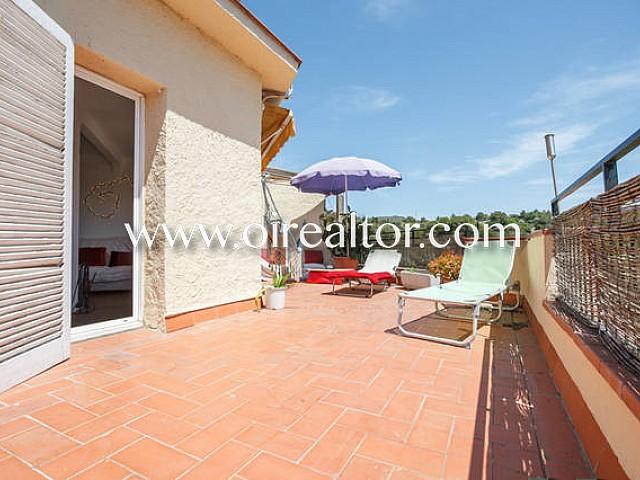 Estupendo ático con terraza y vistas panorámicas de Sitges y el mar