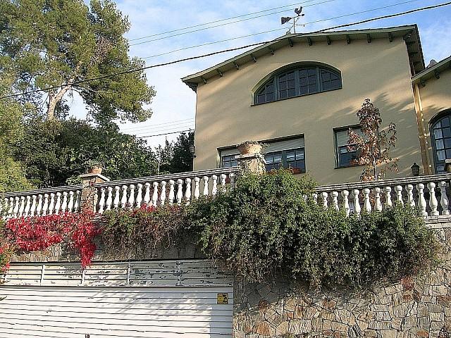 Fantástica casa en venta con orientación a 4 vientos en la Floresta, Sant Cugat
