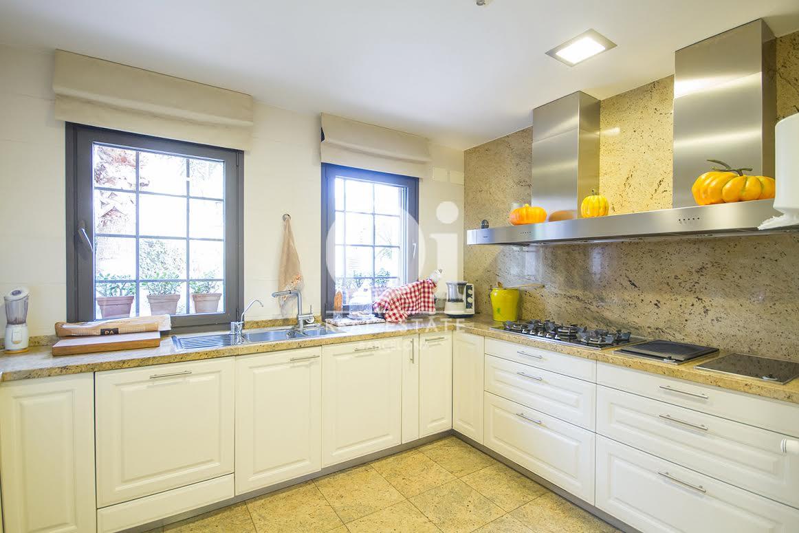 Cocina de casa en venta en Sant Just Desvern