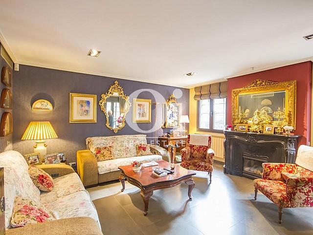 Sala de estar de casa en venta en zona Sant Just Desvern