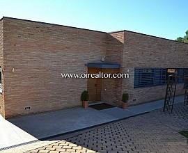 Fantastica casa de diseño en zona residencial próxima al Golf de Sant Cugat