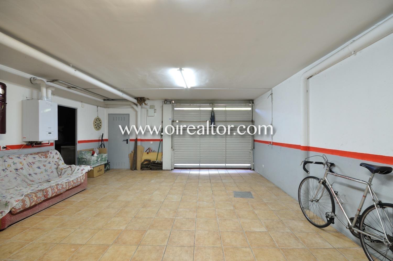 Bonita casa esquinera de 285 m2 con piscina en venta en - Piscina sant quirze ...