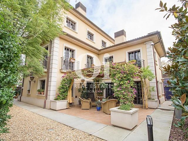Señorial villa en venta en Sant Just Desvern