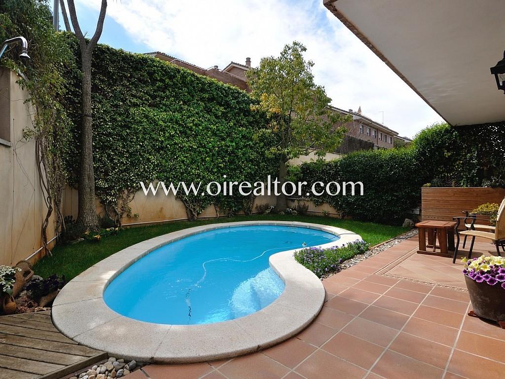 Bonita casa en venta esquinera con piscina privada en - Piscina sant quirze ...