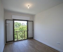 Atractivo apartamento completamente reformado y a estrenar en Poblenou, Barcelona