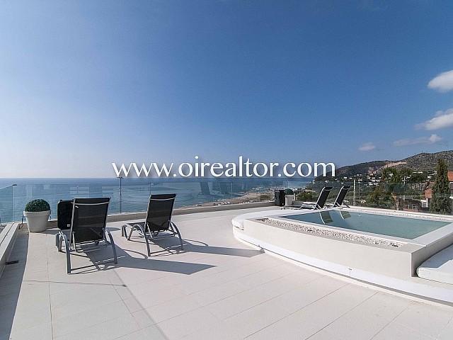 Magnífica casa en venta suspendida sobre el mar de Castelldefels