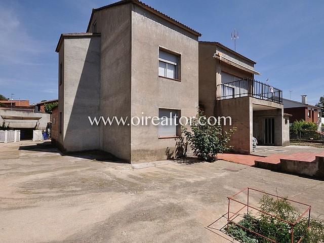 Casa de 250 m2 en parcela de 810 m2 ubicada en la bonita localidad de Viladecavallls