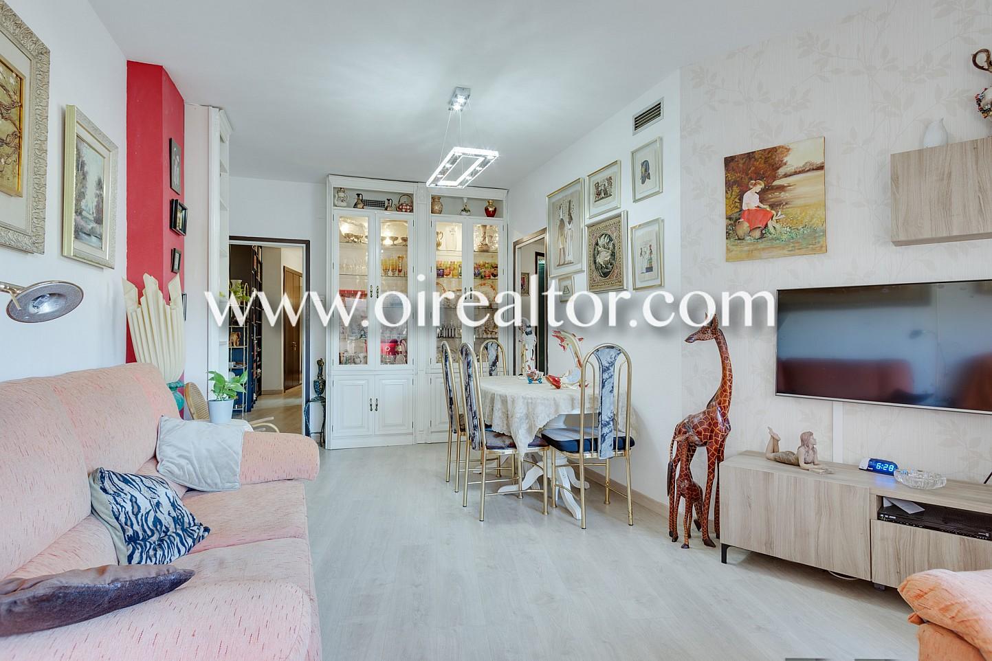 Luminoso piso a dos calles de sagrada familia barcelona for Pisos de bankia barcelona