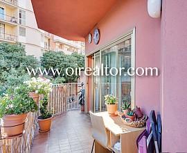 Продается светлая квартира в Саграда Фамилия, Барселона