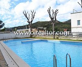 Acogedor apartamento con piscina comunitaria en el Poal, Castelldefels