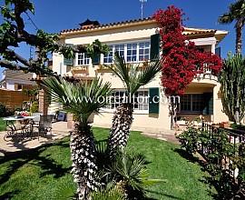 Preciosa casa a quatre vents en venta a Alella