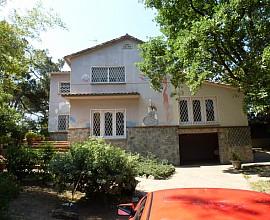 Maravillosa casa a cuatro vientos en venta en la zona golf de Sant Cugat