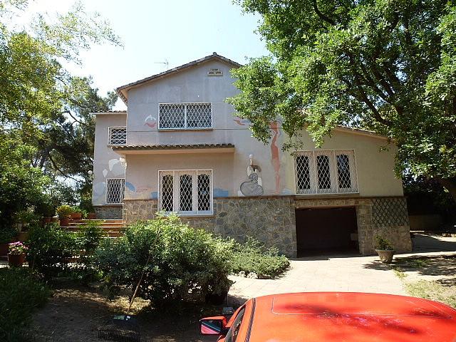 Wunderbares Haus in alle Richtungen zum Verkauf in der Golfzone  in Sant Cugat.