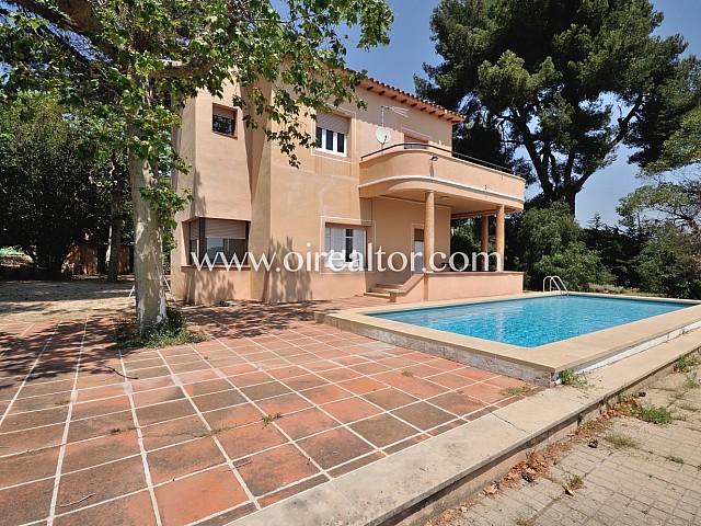 Majestic house in Argentona