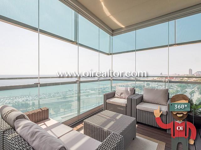 Luxoses vistes al mar en un exclusiu apartament de Diagonal Mar, Barcelona