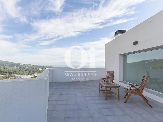 Vista de terraza en propiedad de lujo en venta en Sant Andreu de Llavaneres
