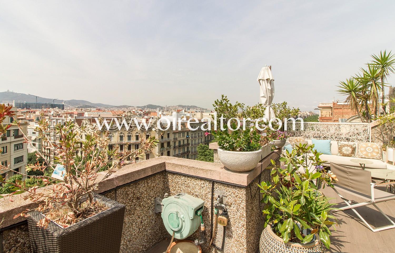 Tico de ensue o con incre bles vistas de la ciudad - Atico terraza barcelona ...