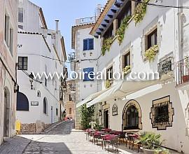 Apartamentos con garaje y licencia turística con rentabilidad del 5% sin explotador en el centro de Sitges