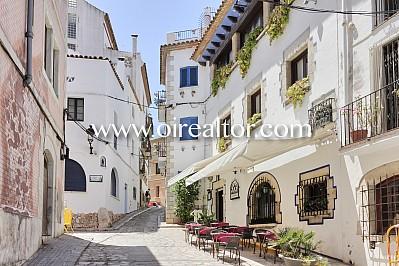 Apartamentos con garaje y licencia turística con rentabilidad 5% Sitges