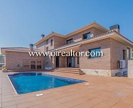 Fantástica casa con acabados de muy alta calidad a Cunit