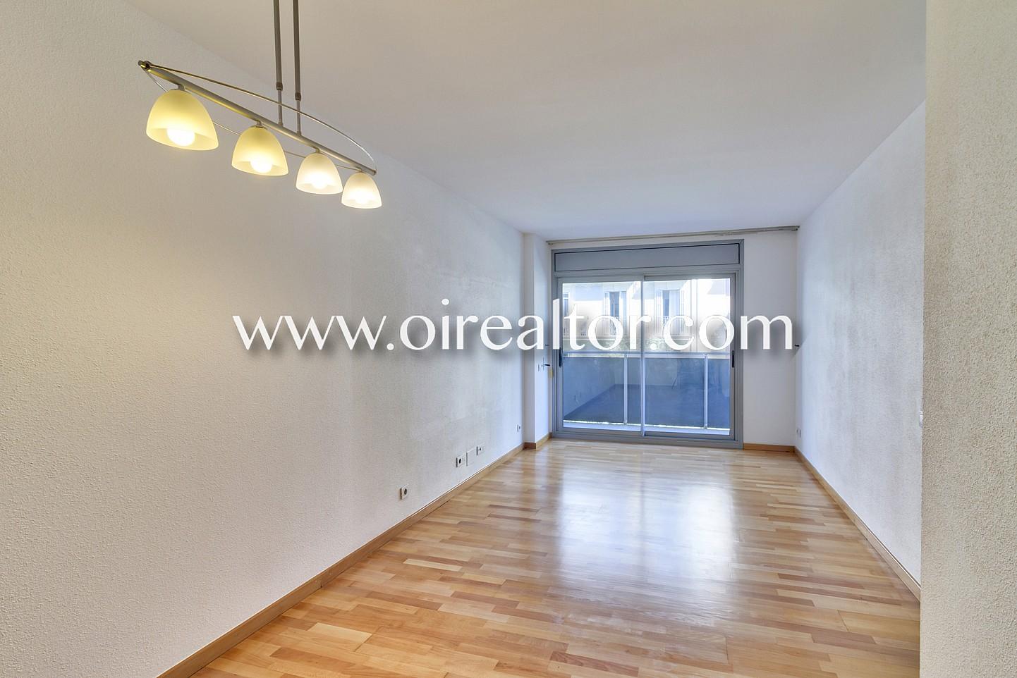 Acogedor piso en eixample izquierdo barcelona oi realtor - Vivir en un segundo piso ...
