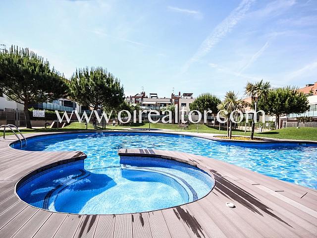 Fabuloso ático con terraza y solárium a pocos metros del mar, Cubelles, Costa de Barcelona