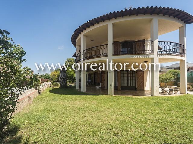 Casa construida sobre una gran parcela en la Mora, Tarragona