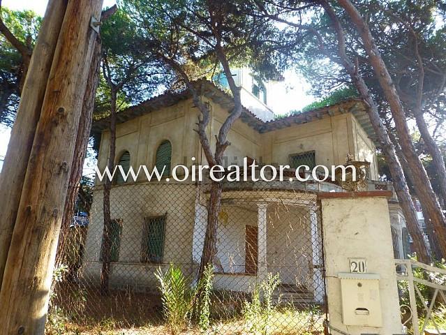 Gran casa a reformar para invertir en la milla de oro de Castelldefels