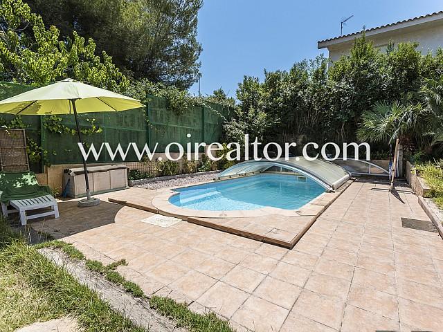 Продается дом с крытым бассейном в Мора, Таррагона