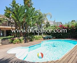 Calme rez-de-chaussée avec piscine à Vallpineda, Sitges
