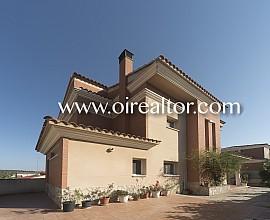 Gran casa con piscina y jardín a 2 minutos de Tarragona