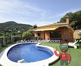 Magnífico chalet de una sola planta con piscina en Tres Turons.