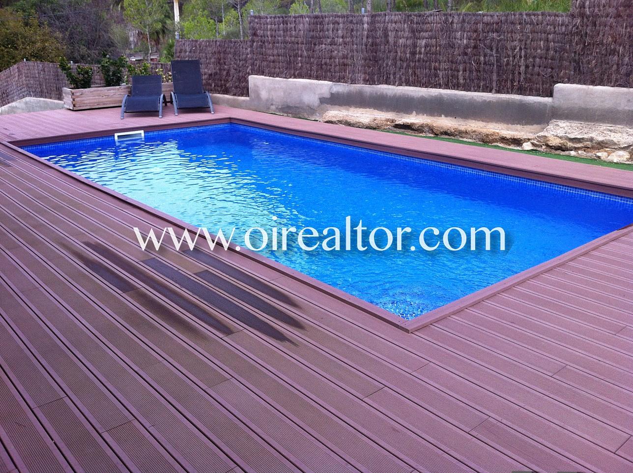 Elegante propiedad con piscina en mas mestre olivella for Piscina jardin 727