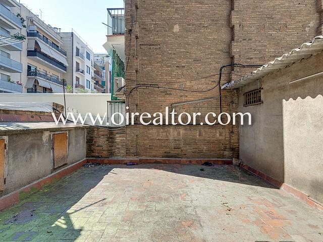 casa de 2 plantas con posibilidad de vivienda unifamiliar en Barcelona
