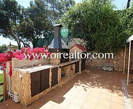 Casa con piscina en zona de Montmar, Castelldefels