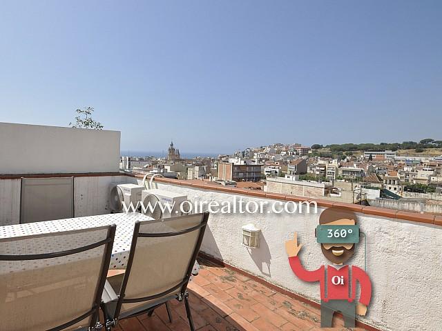 Casa céntrica con garaje, jardín, terraza y vistas  en Arenys de Mar