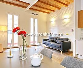 Excelente piso reformado con mucha luz natural en Poble Sec, Barcelona