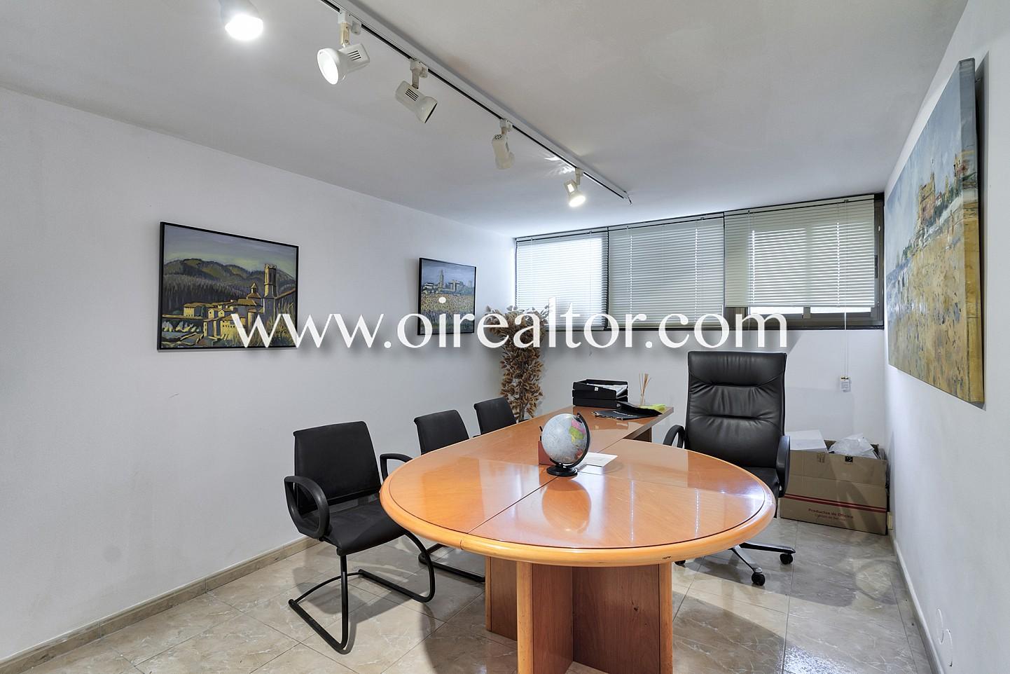Magn ficas oficinas junto al real club de tenis barcelona for Oficinas de fecsa endesa en barcelona