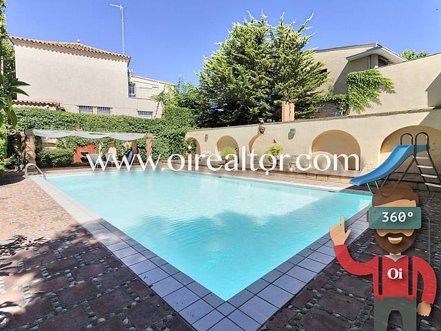Casa con mucho terreno para invertir en el centro de Reus
