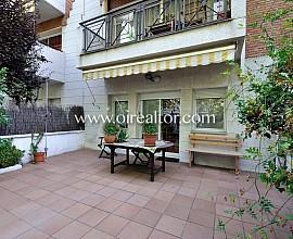Casa adosada de 212 m2 ubicada en una zona residencial muy tranquila