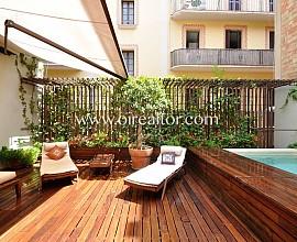 Exclusivo apartamento con piscina climatizada en el centro de Barcelona