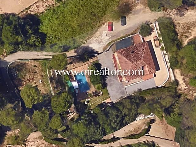 Casa de 280 m2 con instalaciones para caballos en Sant Cugat