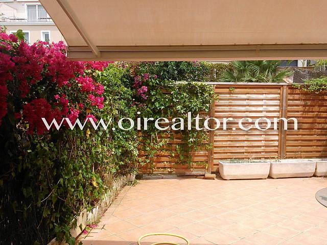 Casa adosada en perfecto estado en el centro de Sitges