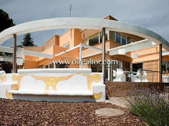 Espectacular casa unifamiliar de puro diseño a la venta en Bellaterra.