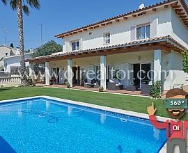 Villa exclusive à Vallpineda, Sitges